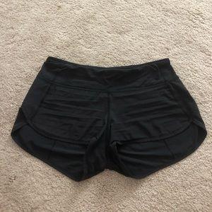 Lulu lemon speed up shorts 2.5 in
